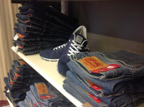 Villa Jeans